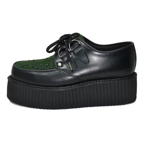 Double creeper shoe. Black box leather, dark green suede leather. Laces, interlaced apron.