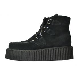 Double creeper boot. Black suede leather. 3d's interlaced apron. Black laces.
